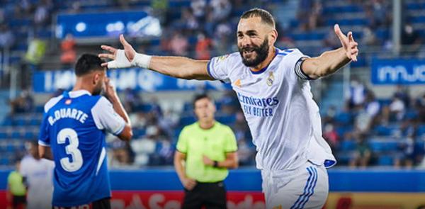 Real Madrid smashed Alaves 4-1 unambiguously